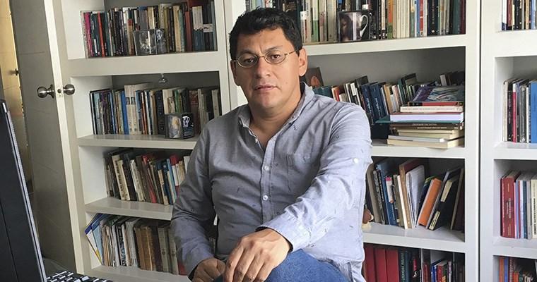 Escritor peruano Ricardo Ayllón