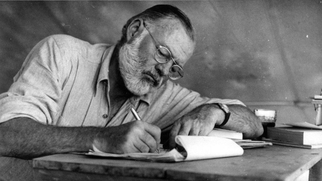 Nieto de Hemingway encuentra inédito que amplía «El viejo y el mar»